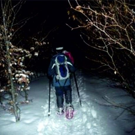 "Hill of ""les Neres"". Snowshoes at night"